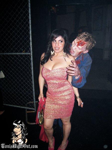wd_toni_zombiebite